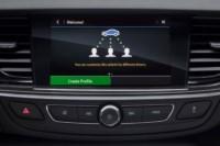 foto: 08 Opel Insignia Conectividad HMI 2018.jpg