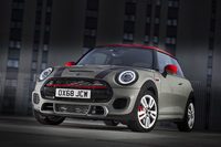 foto: MINI John Cooper Works Euro 6d-TEMP 2019_01.jpg