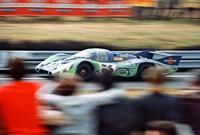 foto: 23_porsche_917__Segundo absoluto en las 24 Horas de Le Mans 1970, el 917 cola larga Martini psicodelico.jpg