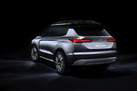 foto: Mitsubishi Engelberg Tourer SUV concept_16.jpg
