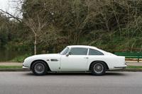 foto: Aston Martin DB5 Sothebys Monterey 2019_03.jpg