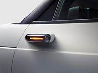 foto: 02 Honda e - retrovisor exterior por camara.jpg