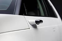 foto: 03 Honda e - retrovisor exterior por camara.jpg