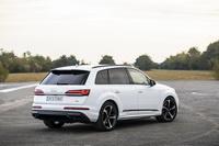 foto: Audi Q7 60 TFSIe quattro_04.jpg