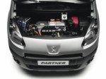 foto: Peugeot Partner Electric 07 motor.jpg