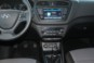foto: 14 Hyundai i20 Coupe 1.4 CRDi 90 CV interior salpicadero.JPG