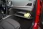 foto: 35 Hyundai Elantra 2016 interior guantera.JPG