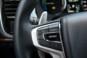 foto: 34 Mitsubishi Outlander PHEV Kaiteki 2016 interior salpicadero volante leva.JPG