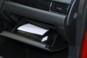 foto: 37 Mitsubishi Outlander PHEV Kaiteki 2016 interior salpicadero guantera.JPG