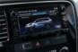 foto: 43 Mitsubishi Outlander PHEV Kaiteki 2016 interior pantalla 2 carga baterias.JPG