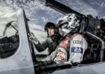 foto: 09 Audi-R18-e-tron-quattro-y-Eurofighter-Typhoon.jpg