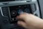 foto: 23 Golf 1.0 TSI Bluemotion 115 2016 interior salpicadero pantalla think blue.JPG