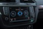 foto: 28 VW Tiguan 2.0 TDI 150 CV 4Motion Sport DSG interior navegador .JPG