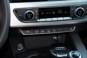 foto: 22 Audi A4 Avant 2.0 TDI 150 CV S line 2017 interior radio.JPG