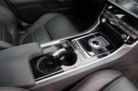 foto: 27 Jaguar XE 2.0d 180 RWD Prestige.JPG
