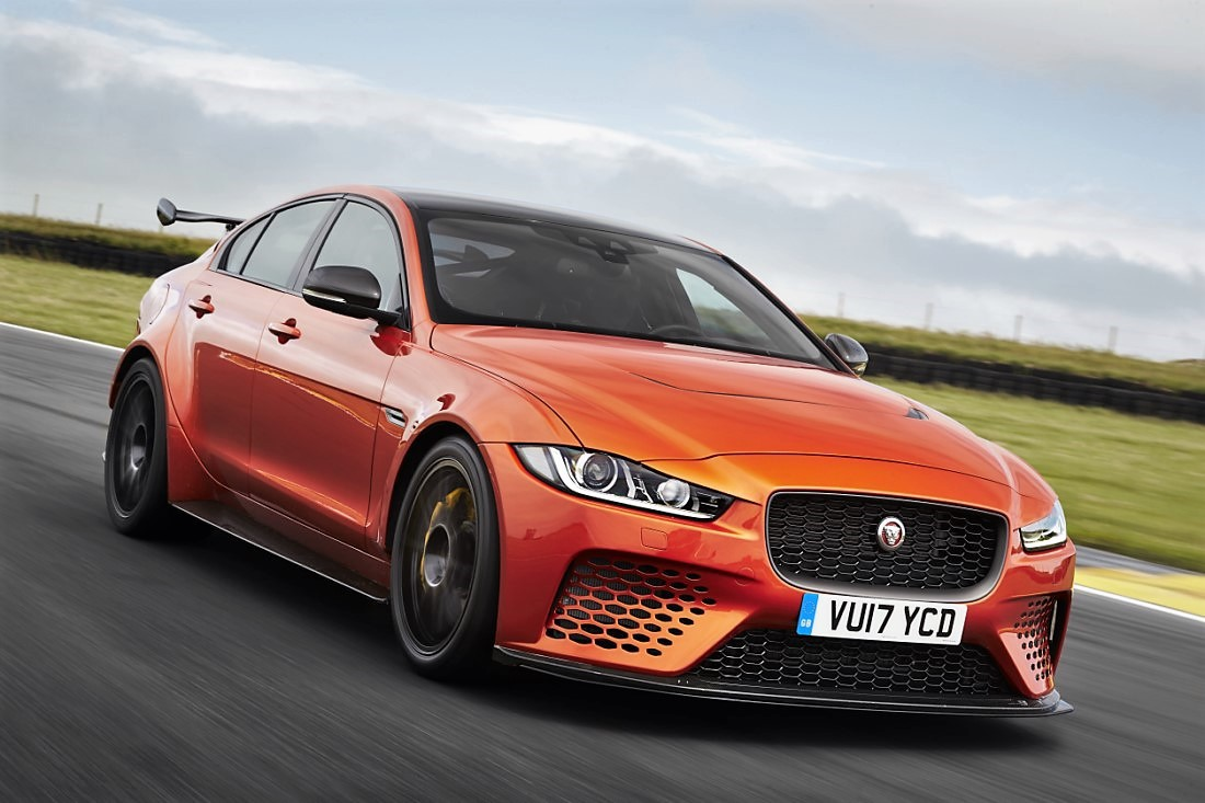foto: 01 Jaguar XE SV Project 8.jpg