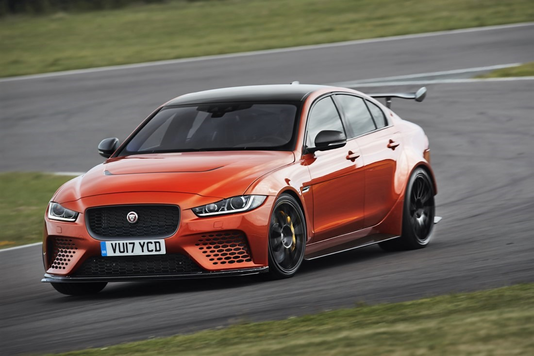 foto: 04 Jaguar XE SV Project 8.jpg