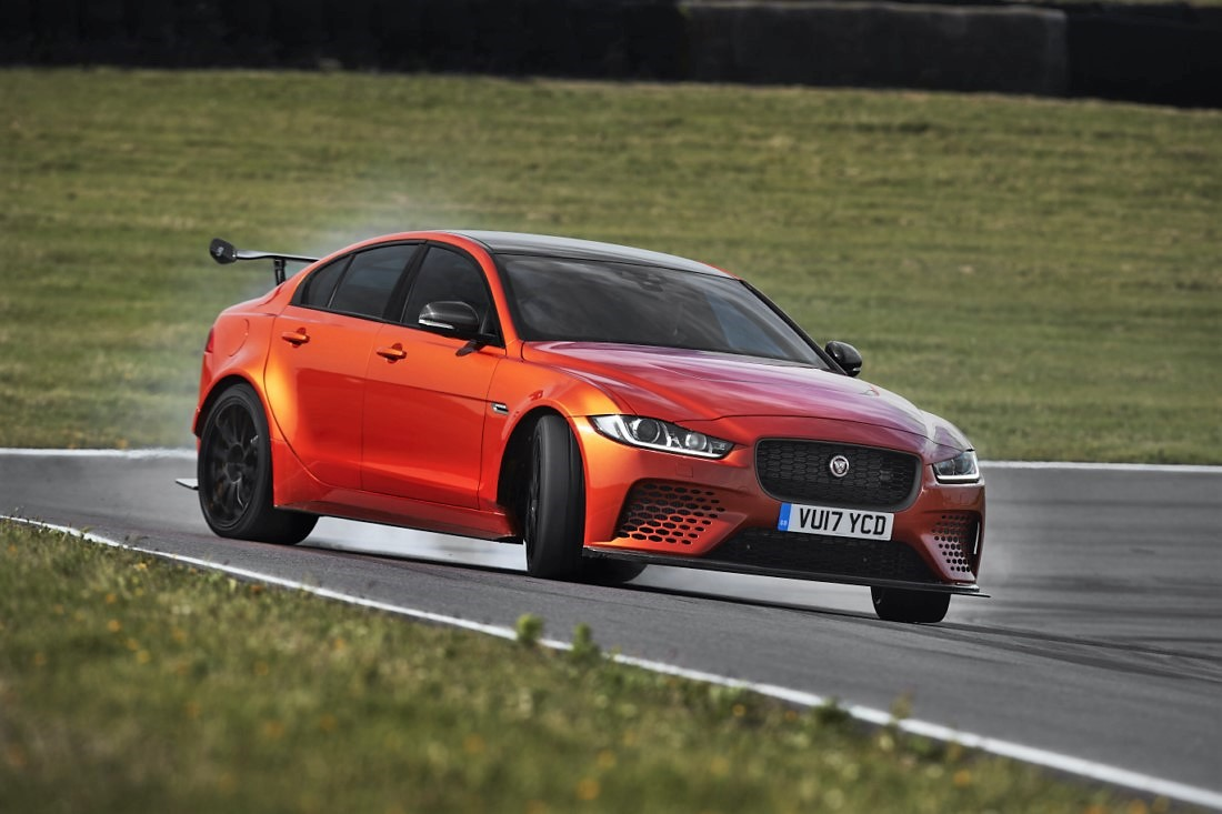 foto: 05 Jaguar XE SV Project 8.jpg