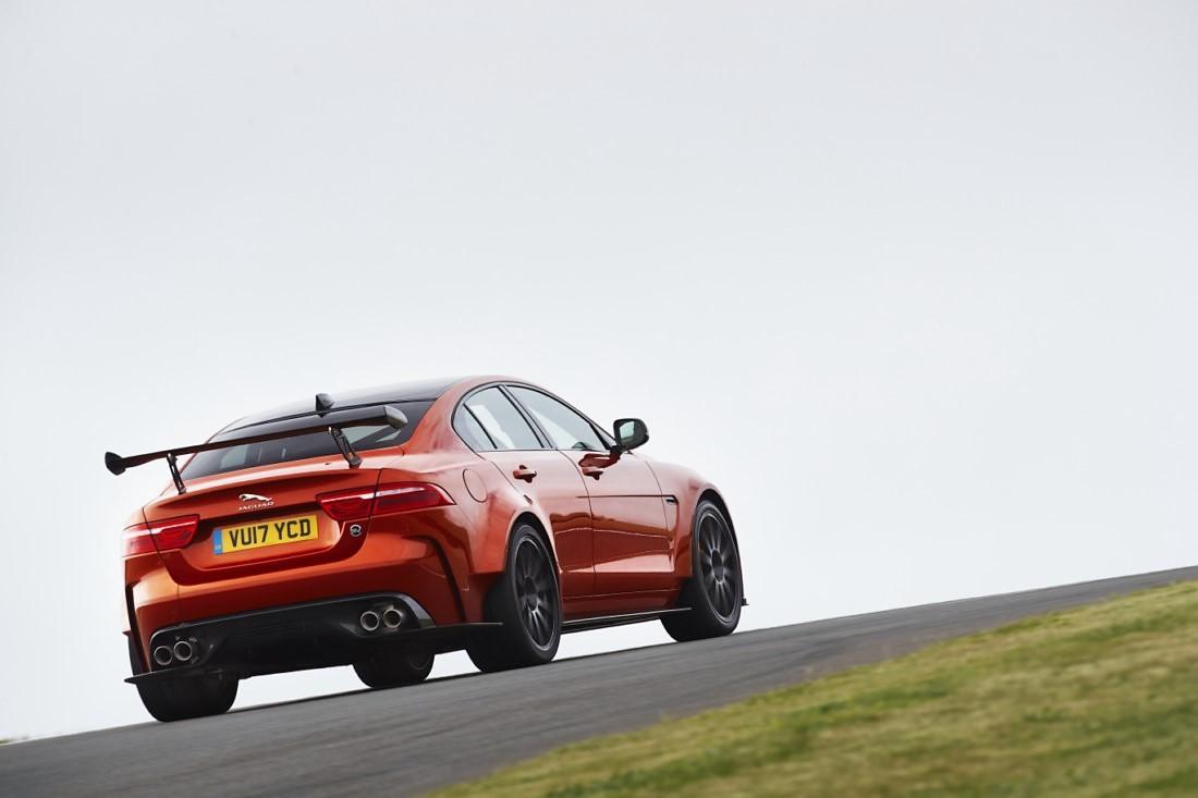 foto: 08 Jaguar XE SV Project 8.jpg