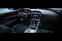 foto: 13 Jaguar XE SV Project 8 interior salpicadero.jpg