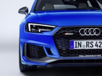 foto: 12 Audi RS 4 Avant 2017.jpg