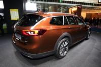 foto: IAA 2017 Opel Insignia Country Tourer 3.jpg