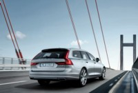 foto: 12_Volvo_V90_Location_3_4_Rear.jpg
