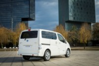 foto: 426205635_Nissan_world_premiere_of_new_longer_range_e_NV200_van.jpg
