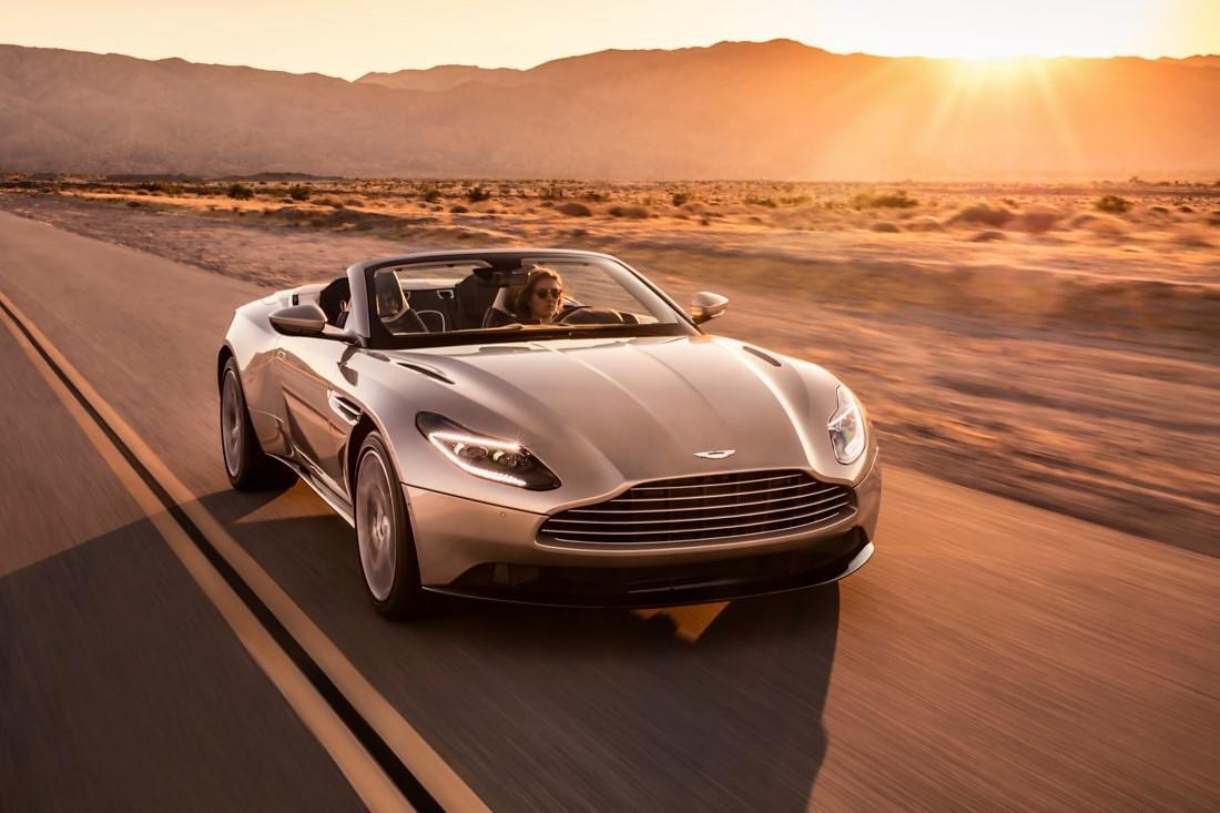 foto: 13 Aston Martin DB11 Volante 2017.jpg