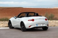 foto: 10 Mazda MX-5 1.5 130 CV Luxury.jpg