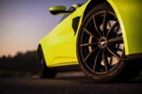 foto: 10 Aston Martin Vantage 2018.jpg