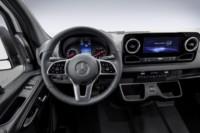 foto: 04 Mercedes Sprinter 2018 interior salpicadero.jpg