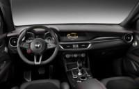 foto: 09 Alfa_Romeo_Stelvio_Quadrifoglio_2017_interior_salpicadero.jpg