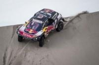 foto: 03B Campeones Carlos Sainz Lucas Cruz Peugeot 3008 DKR Maxi - Dakar 2018.jpg