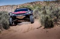 foto: 03c Campeones Carlos Sainz Lucas Cruz Peugeot 3008 DKR Maxi - Dakar 2018.jpg