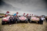 foto: 03d Campeones Carlos Sainz Lucas Cruz Peugeot 3008 DKR Maxi - Dakar 2018.jpg