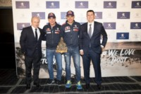 foto: 16 Carlos Sainz Lucas Cruz ganan Dakar 2018 Peugeot 3008 DKR Maxi.jpg