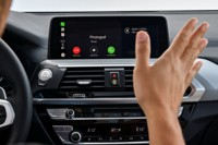 foto: 51 BMW X3 M40i 2018 interior control gestual.jpg