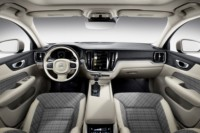 foto: 20 Volvo V60 2018 interior salpicadero.jpg