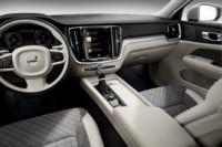 foto: 21 Volvo V60 2018 interior salpicadero.jpg