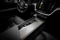 foto: 24 Volvo V60 2018 interior salpicadero consola.jpg