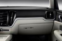 foto: 28 Volvo V60 2018 interior salpicadero.jpg