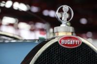foto: 12 ClassicAuto 2018 Bugatti escudo logo.jpg