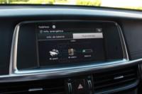 foto: 27 Prueba Kia Optima 2.0 GDI PHEV 2018 interior pantalla info bateria.JPG