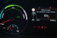 foto: 33 Prueba Kia Optima 2.0 GDI PHEV 2018 interior cuadro aviso bateria baja.JPG