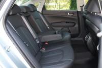 foto: 38 Prueba Kia Optima 2.0 GDI PHEV 2018 interior asientos traseros.JPG