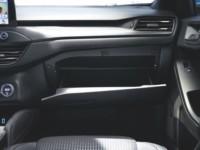 foto: 11d Ford Focus Active 2018 interior guantera.jpg