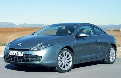 RENAULT_LAGUNA_COUPE_2.0_dCi_GT_4RD_400