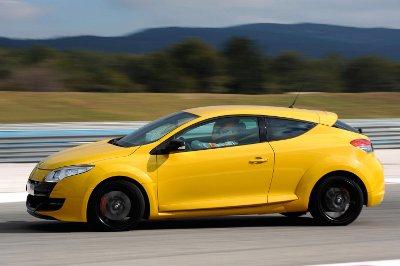 Renault_Megane_RS_400