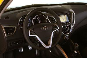 Hyundai Veloster interior 09